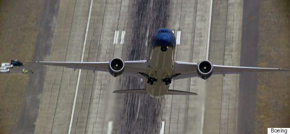 Boeing 787 Dreamliner Pilot Performs Near Vertical Take Off Ahead Of The Paris Air