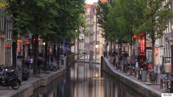 Amsterdam's 3D-Printed Steel Bridge To Be 'Drawn' Mid-Air By