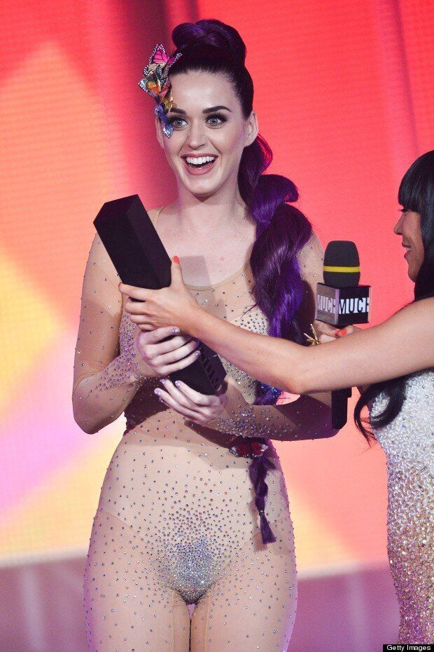 Katy Perry Copies J-Los Stage Style In Nude Diamond
