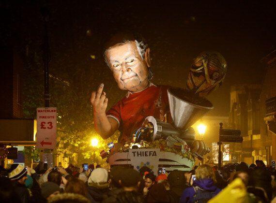 David Cameron Effigy Burned In Lewes For Bonfire Night, Alongside Blatter, Clarkson And The 'Bullingdon