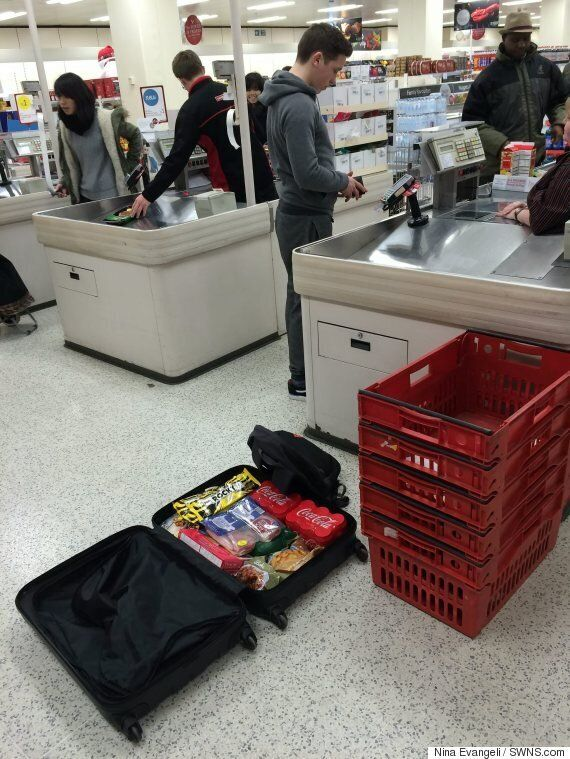 Student Takes Suitcase To Supermarkets So He Doesn't Have To Pay 5p Plastic Bag