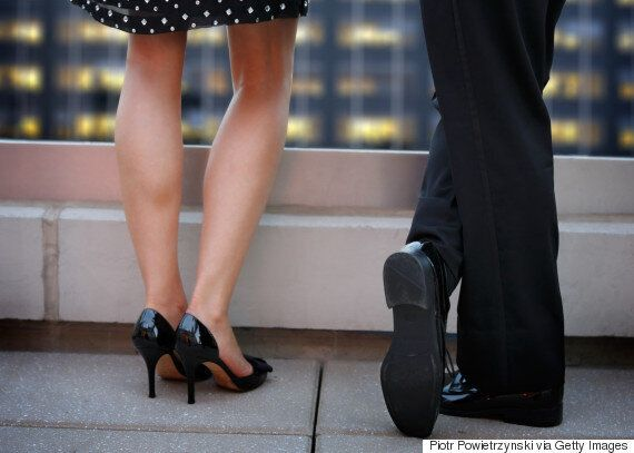 Women Reveal What They Look For When Visiting A Guy's Place