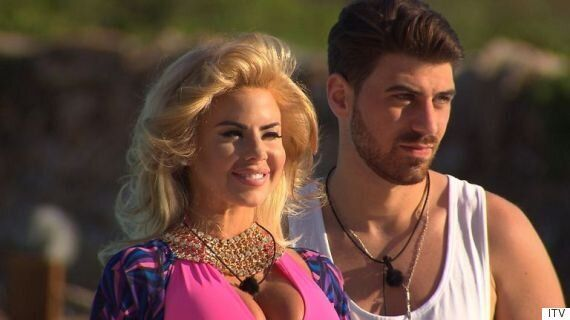 'Love Island': Jonathan Clark Furious With Hannah Elizabeth For Flashing Her Boobs At Naked Butler