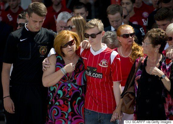 Tunisian Survivor Owen Richards, Who Lost Three Relatives In Massacre, Bravely Supports Grieving Mother...