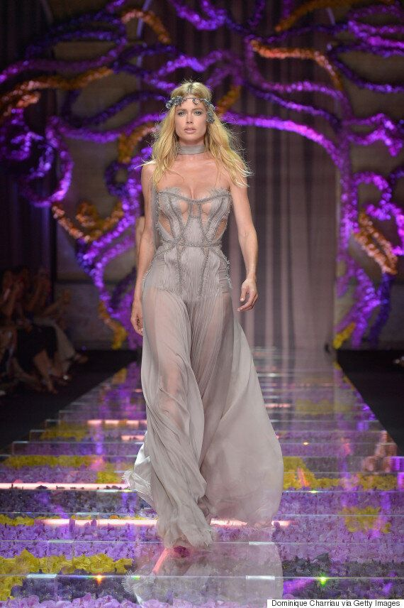 Kendall Jenner Leads A Supermodel Line Up At The Versace Autumn/Winter 15/16 Show At Paris Haute Couture