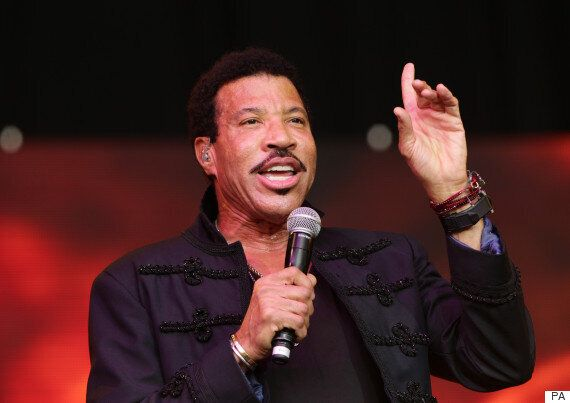 Henley Festival: Lionel Richie Tops UK Album Chart With 'The Definitive Collection' Following Triumph...