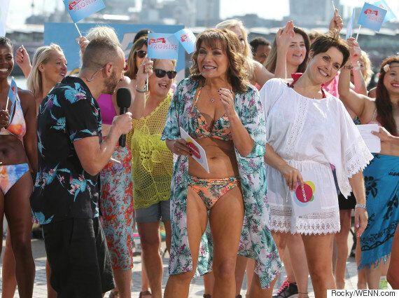 Lorraine Kelly Dancing In A Bikini To 'Moves Like Jagger' Is Bringing Us So Much Joy