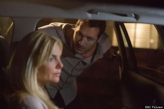 'EastEnders' Spoiler: Pregnant Ronnie Mitchell Threatens To Leave Albert Square