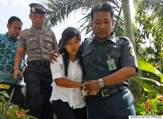 Bali Nine Woman Whose 'Confession' Saved Filipino Mother From Firing Squad Is Pictured For The First