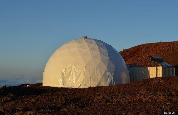 Mars HI-SEAS Simulation Habitat Is Futuristic, Cool And
