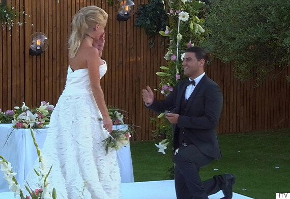 'Love Island' 2015 Final: Jonathan Clark Proposes To Hannah