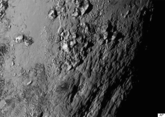 Pluto And Charon Close-Up Pictures From New Horizons 'Amazes' NASA
