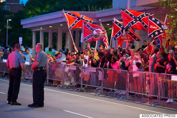 Barack Obama Met In Oklahoma By Confederate Flag-Waving Mob... But They're Definitely 'Not