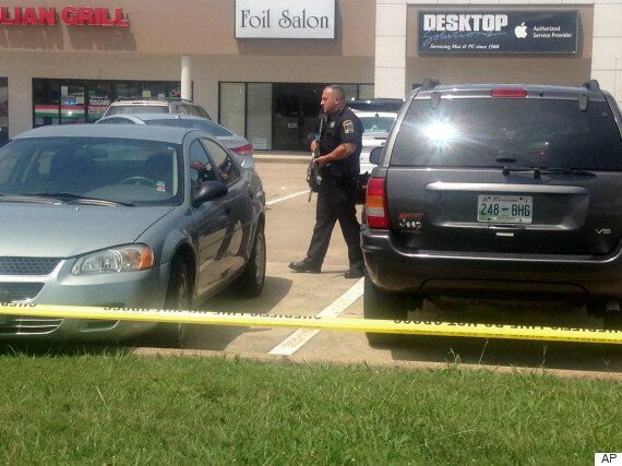 Chattanooga Shooting Leaves Five Dead As Gunman Attacks Military Offices In