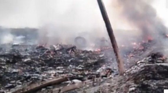 MH17 Video Of Rebels Rifling Though Wreckage 'Shows Malaysia Airlines Disaster Was Not A