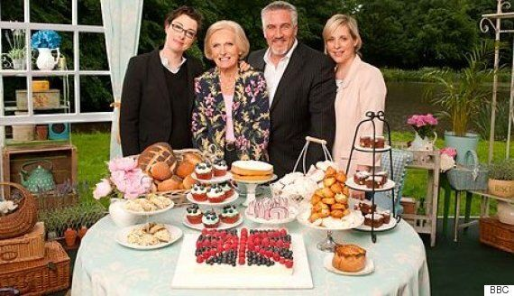 'Great British Bake Off' Host Sue Perkins Found Baked Alaska-Gate 'Painful - But Headlines Need To Be