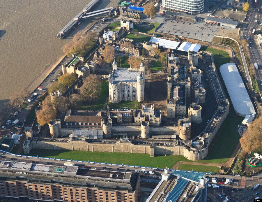 Tower Of London Poppies: Stunning Before And After Pictures Show 'Blood Swept Lands And Seas Of Red'...