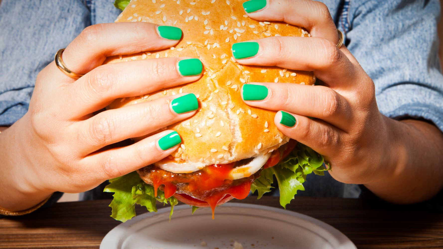 Eating Junk Food Kills Off Stomach Bacteria That Helps You Stay Slim