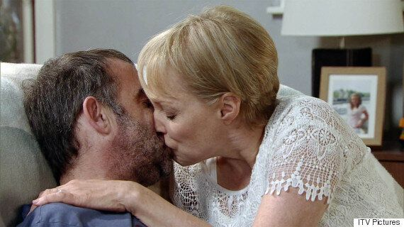 'Coronation Street' Spoiler: Sally And Kevin Webster To Reunite?