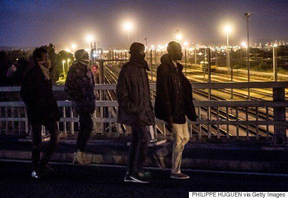 Calais Migrant Dies As 1,500 Storm Channel