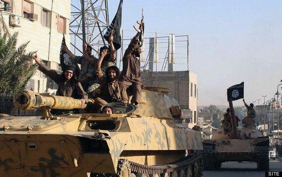 Cancel Passports Of British Jihadis who Join Islamic State, Says