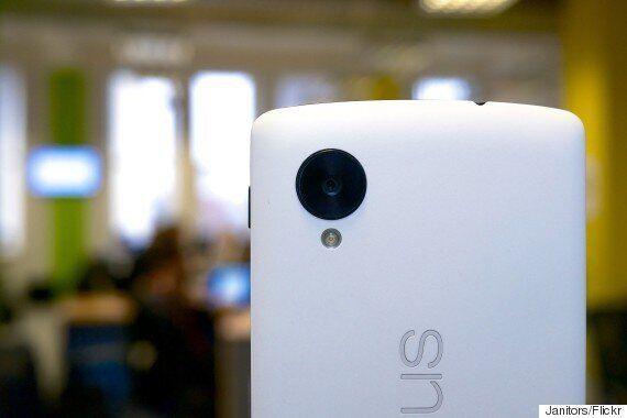 New Google Nexus 5 2015 Images Leaked Show Dual-Camera Or iPhone-Rivalling Fingerprint