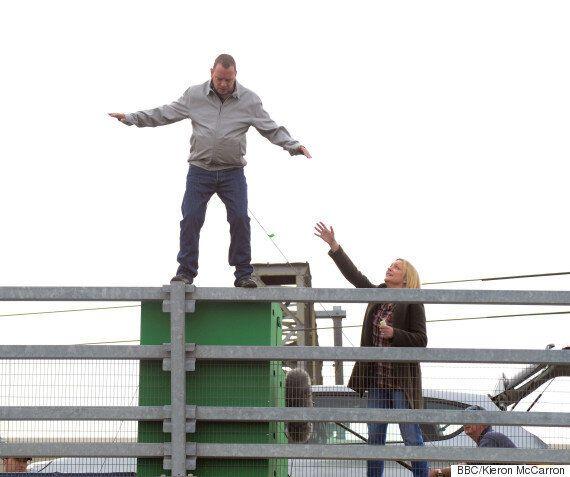 'EastEnders' Spoiler: Ian Beale To Consider Suicide? Adam Woodyatt And Laurie Brett Film Dramatic Scenes