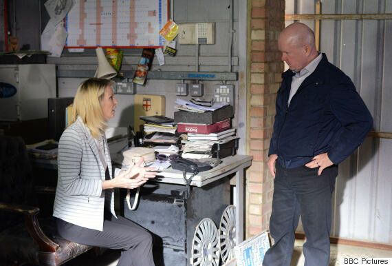 'EastEnders' Spoiler: Kathy Beale's Back In Walford! Gillian Taylforth's Character Makes Full Return...