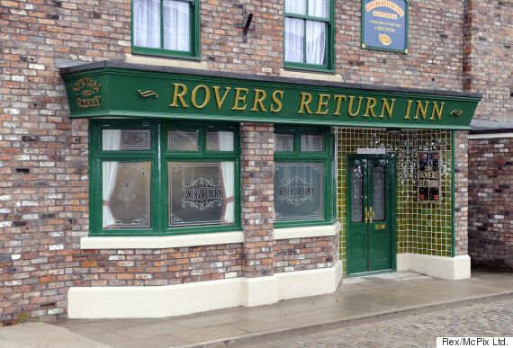 'Coronation Street' Set Invaded By Flying Ants, Filming Almost 'Grinds To A