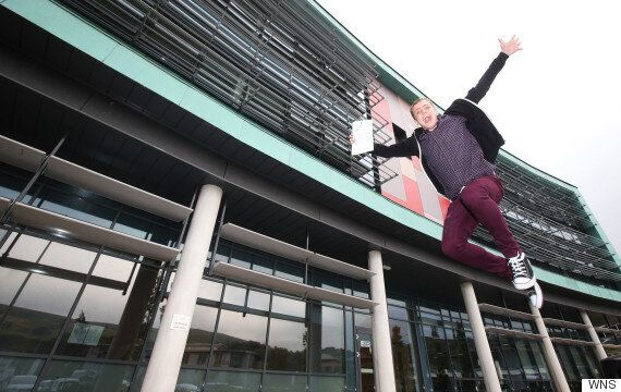Homeless Pupil Wins A Place At Cambridge with Straight A*s After Spending 12 Hours A Day In The