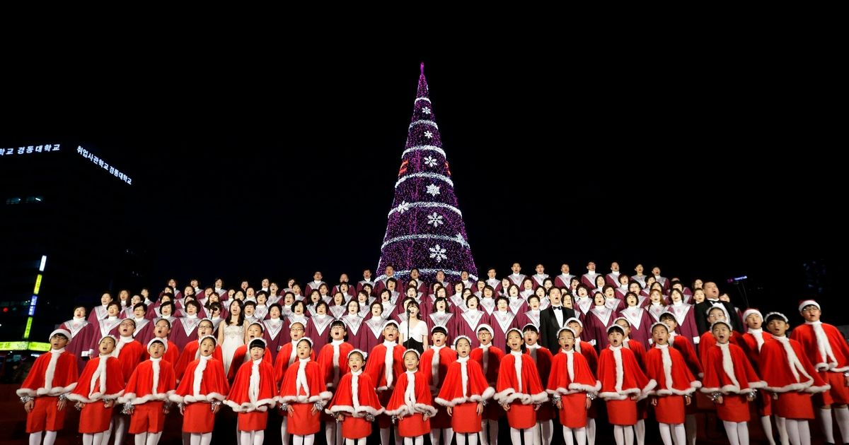 Christmas In Korea.South Korea Approves Christmas Tree On Border With Atheist