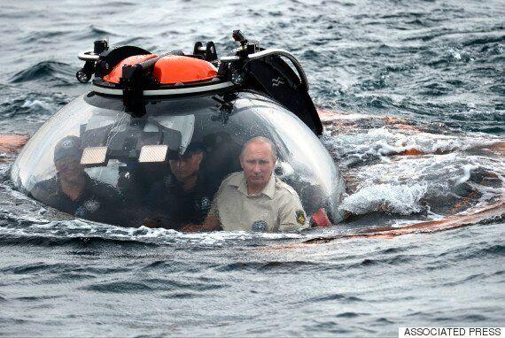 Vladimir Putin Hits Peak SPECTRE in Crimea, Descends Into The Abyss In A Small