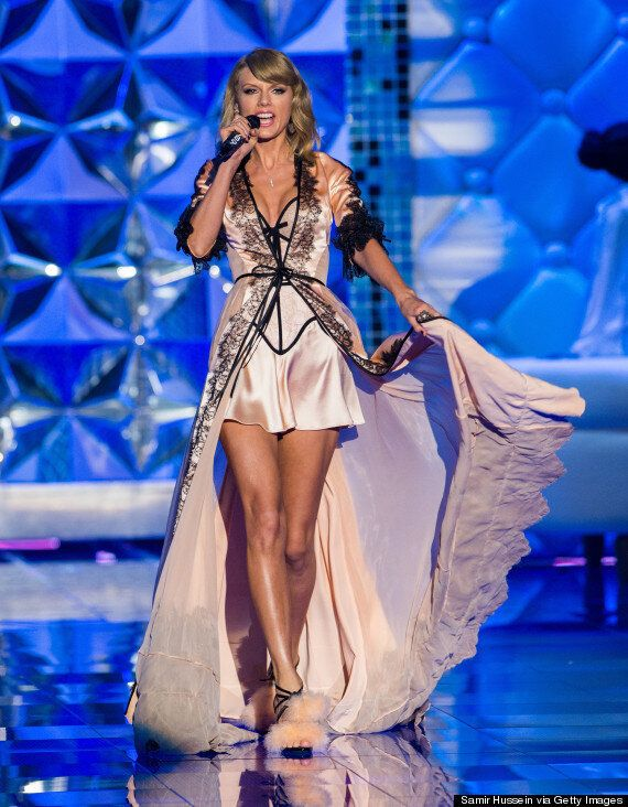 b892d4ca216 Victoria's Secret Show: Taylor Swift And Ariana Grande Give The Angels A  Run For Their
