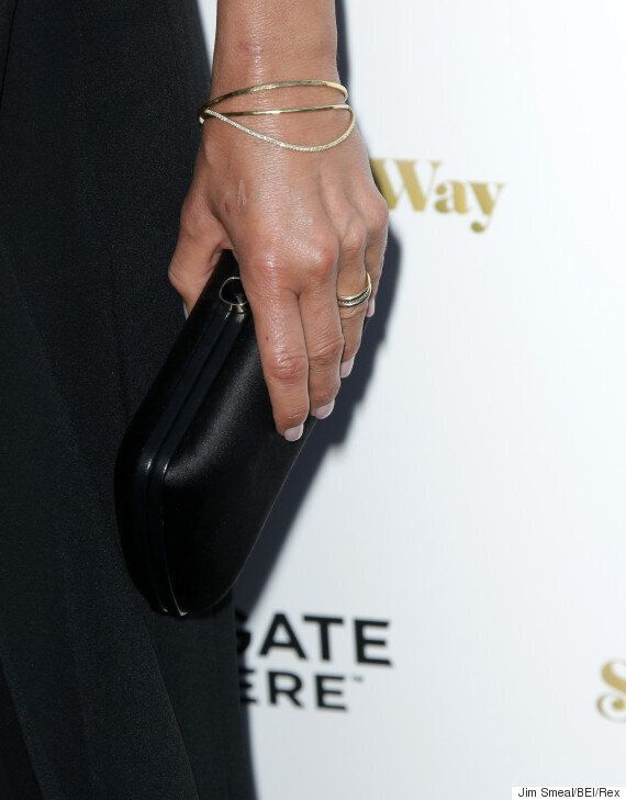 Jennifer Aniston Sports Wedding Ring For First Time Since Marrying Justin Theroux
