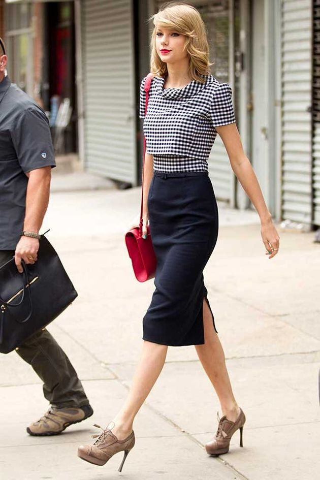 Taylor Swift And Karlie Kloss Are Inseparable At Pre-Met ...