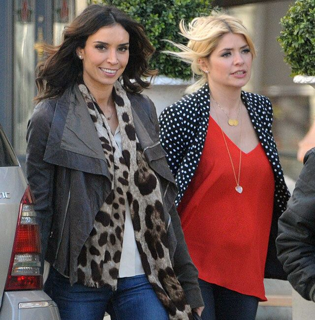 Pregnant Holly Willoughby Shows First Signs Of Baby Bump While Out With Christine Bleakley Huffpost Uk Parents