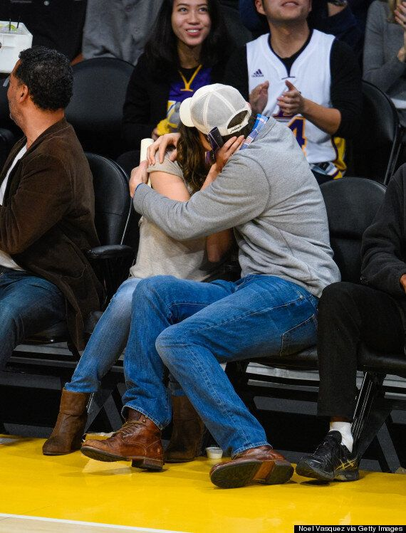 Ashton Kutcher And Mila Kunis Wedding.Mila Kunis And Ashton Kutcher Married Actress Sparks Rumours With