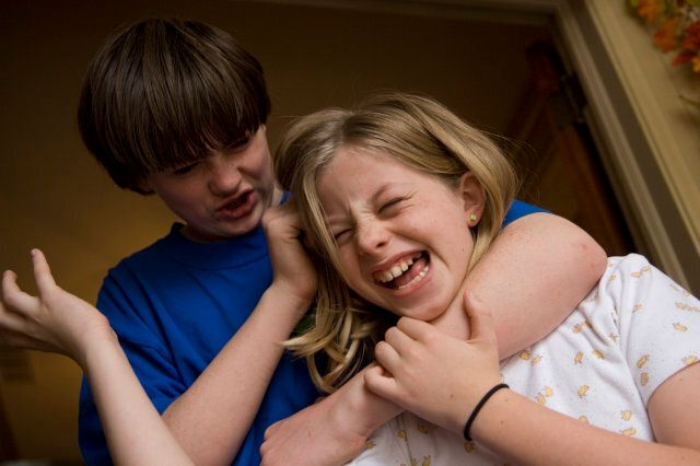 Is It Sibling Rivalry Or Bullying >> When Sibling Rivalry Becomes Bullying Huffpost Life