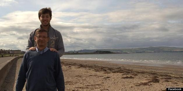 Student Reunites Family With Missing Holiday Photos After Social Media Campagin Goes