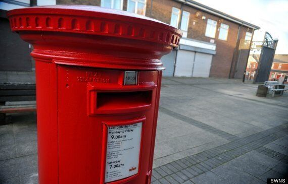 Drunk Man Tries To Have Sex With Post Box In