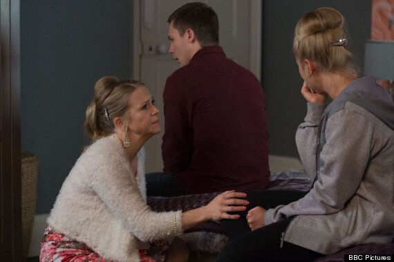 'EastEnders' Spoiler: Mick And Linda Carter Tell Their Family About Dean Wicks' Rape Ordeal