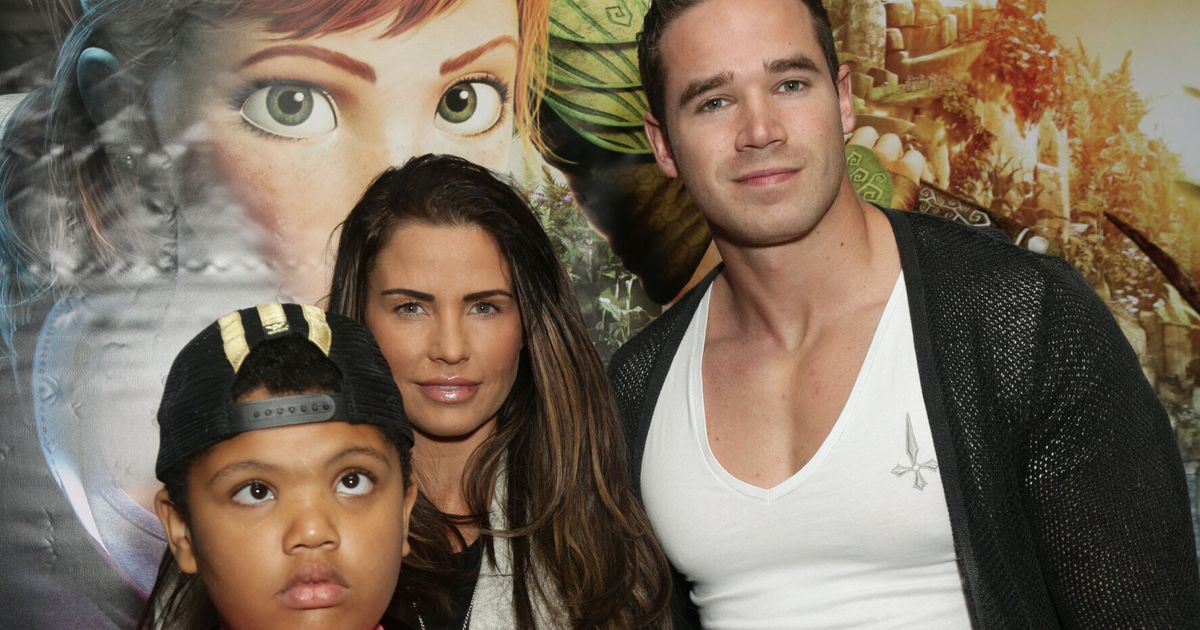 Katie Price Fans Call For Harvey S Dad Dwight Yorke To Help Fund Son S Care Following Celebrity Big Brother House Row Huffpost Uk