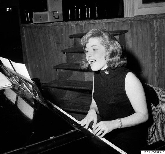 Lesley Gore Dead: 'You Don't Own Me' And 'It's My Party' Singer And Songwriter Dies Of Lung Cancer, Aged