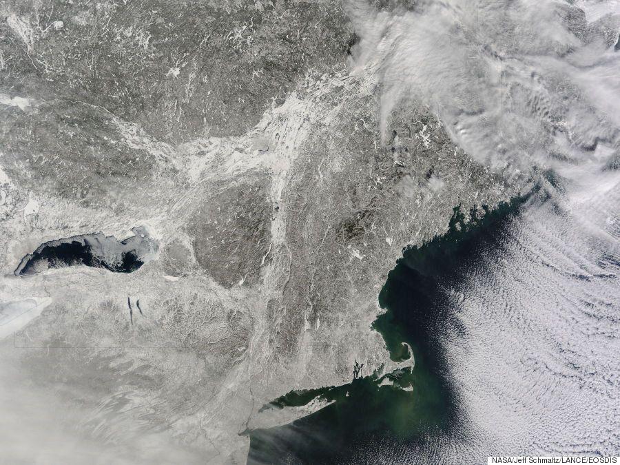 Niagara Falls (Almost) Freezes Over As Temperatures