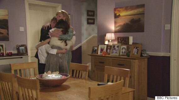'EastEnders' Live Episode Review: Ian Beale Finds Out The Truth About Bobby Beale - Will Lucy's Killer...