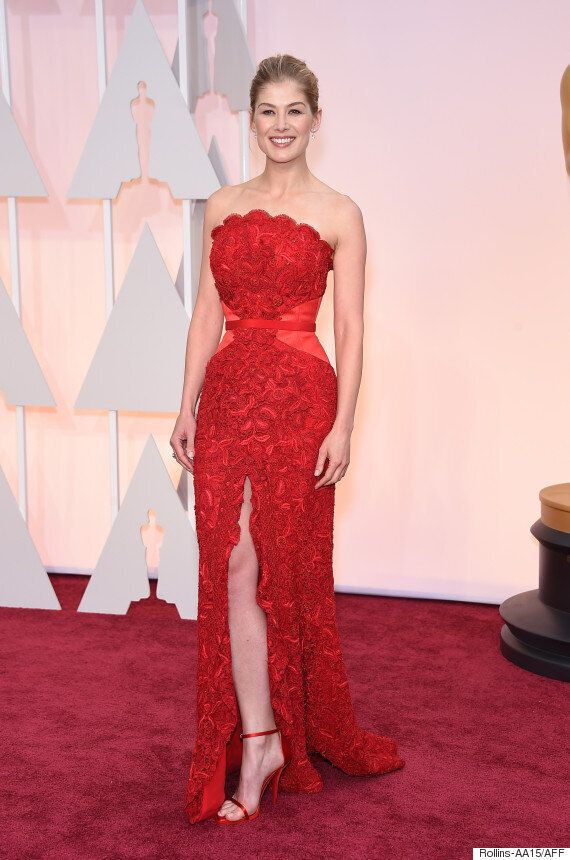 Oscars 2015: Roasmund Pike Proves Red Can Work On The Red Carpet At The Academy Awards