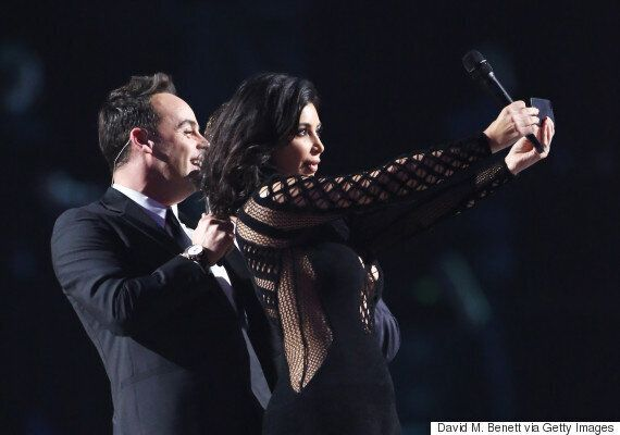 Brit Awards 2015: Kim Kardashian Has A Selfie Fail With Presenters Ant And Dec