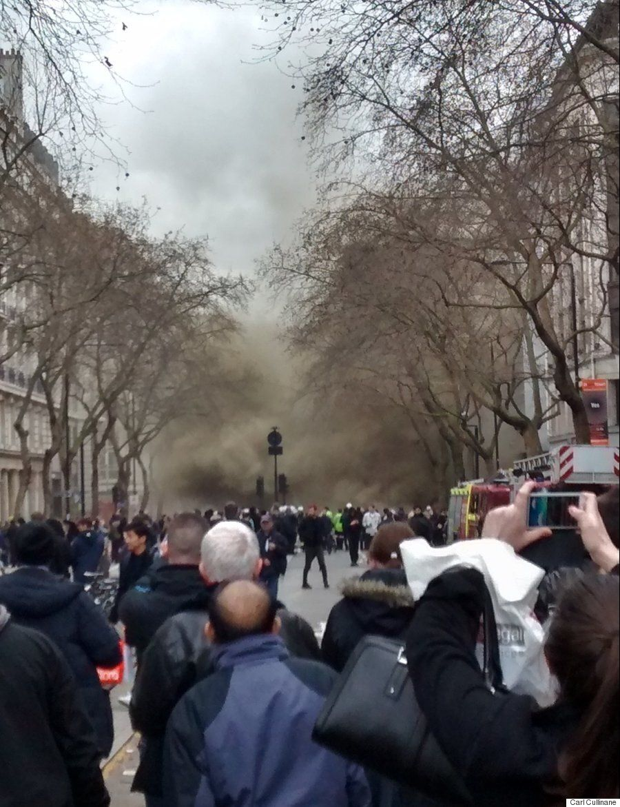 LSE Fire Sees 2,000 Evacuated From Kingsway, Holborn Tube Station