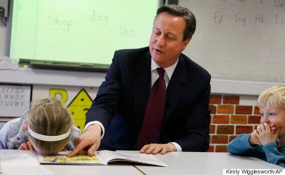 David Cameron's Book Reading Really, Really Bores