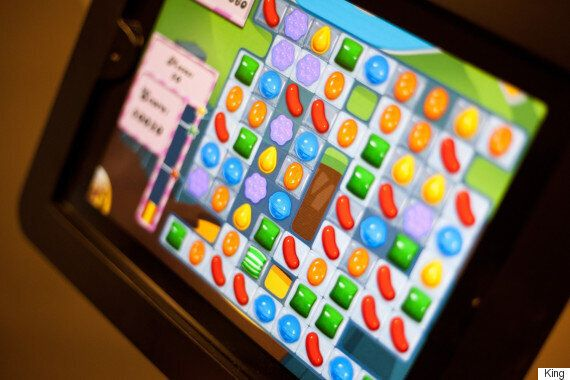 A Man Played So Much Candy Crush He Ruptured The Tendon In His
